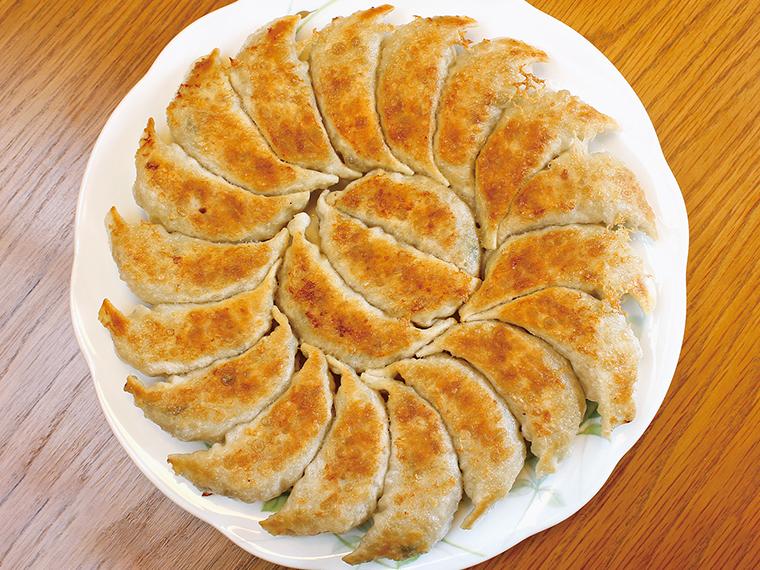 「円盤餃子」(1,300円)餃子21個・直径約22cm