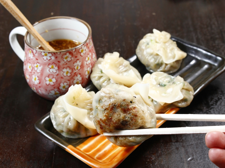 【手打ち中華麺 麺庄、】餃子
