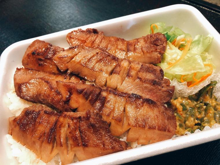 【蕎麦人(そばんちゅう)】生そば、牛タン弁当など