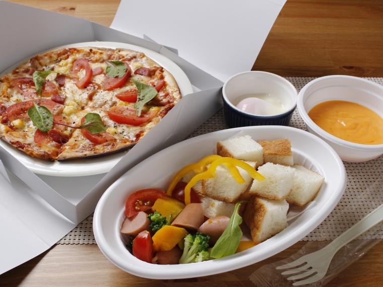 【キッチン カプリッチョ】ピザ、チーズフォンデュなど