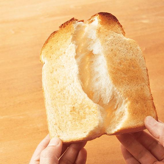 組合員に愛される、ふわモチッと食感の「こだわり酵母食パン1斤(5枚)」。ぜひご賞味を