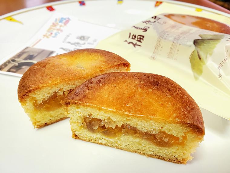 リンゴつながりで、古関裕而記念館の近くにある菓子店「福々和本舗」で製造販売している「福島夜曲」を紹介。シロップ漬けにした地元産のリンゴが挟み込まれた、おいしいスイーツです(ちなみに「福島夜曲」は古関裕而のデビュー期の作品名)