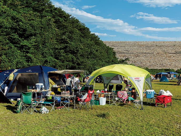 ダム提体下の広瀬公園では、設備が整った無料のキャンプ場が人気。予約・申し込みは「茂庭生活歴史館」(電話/024-571-7702※受付時間9:00〜17:00)
