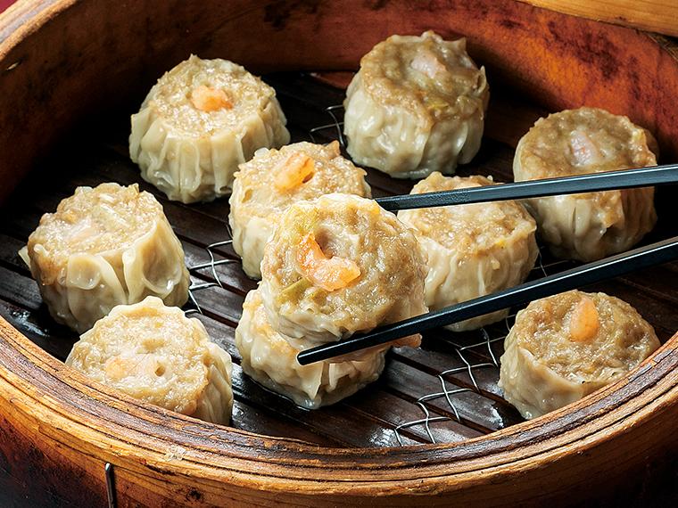 「白河焼売(しゅうまい)」。 ブランド肉「白河高原清流豚」を使い、醤油や酒も地元のものを使用。そこに高級干しエビを加えて、うまみと香りの良い独特の味わいに