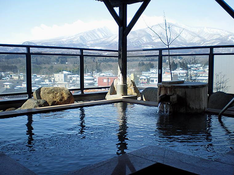 露天や貸切など全12種類の浴槽が揃う『かっぱの宿 旅館 三治郎』