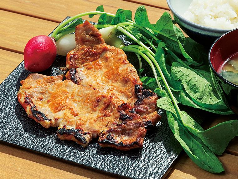 「白河高原清流豚 ロース味噌漬け」。特製味噌に漬け込んで寝かせた清流豚は豊かな風味で肉のうまみが熟成される。肉のやわらかな食感と味噌の香ばしい味わいが広がる