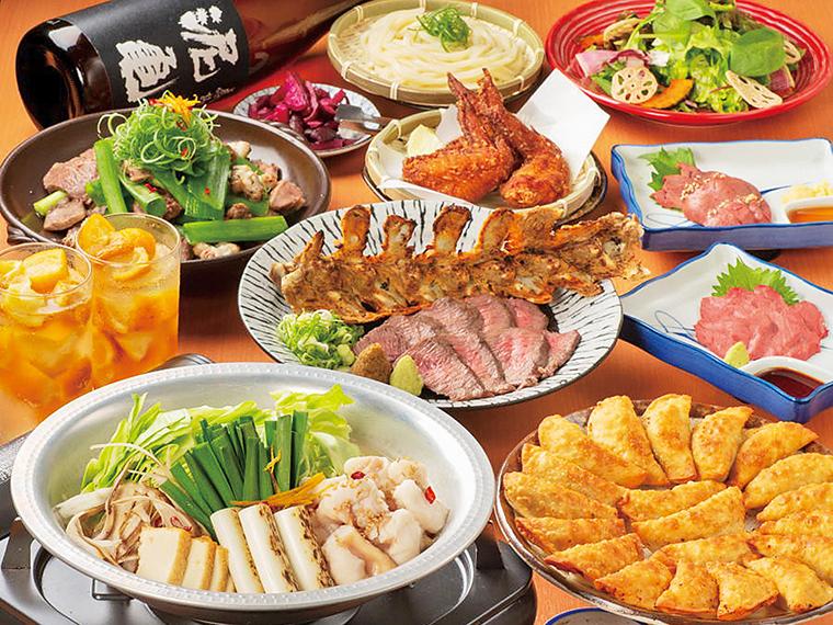 ボリューム満点!2時間飲み放題付き5,000円コースの一例。 名物料理が全部味わえる