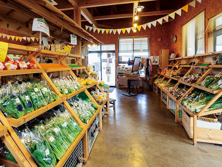 季節の食材が並ぶ店内。「ここたま」は10個入り550円から
