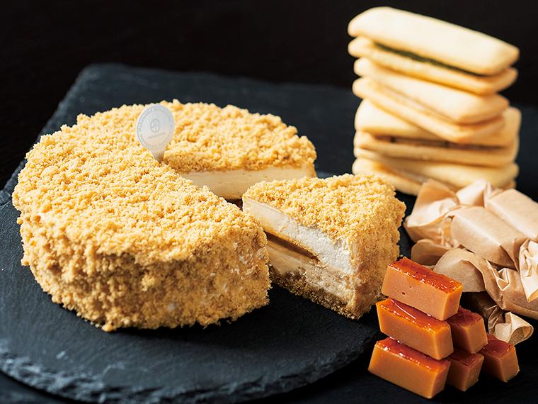 生キャラメルと厳選スイーツ。生キャラメルブランドとして有名な『向山製作所』。表面をカリッと仕上げた生キャラメル、チーズケーキ、生バターサンドが絶品