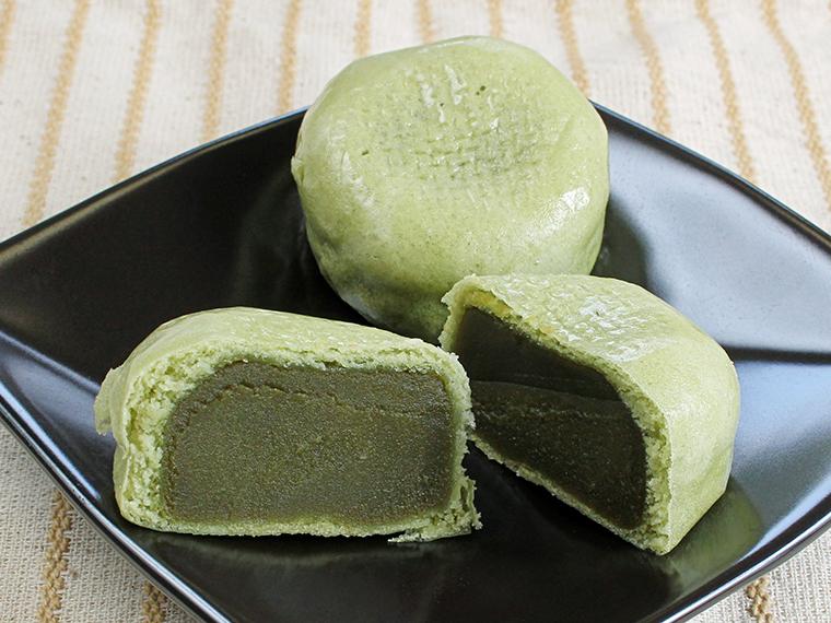 「薄皮まんじゅう抹茶 」(8個入・1,166円)