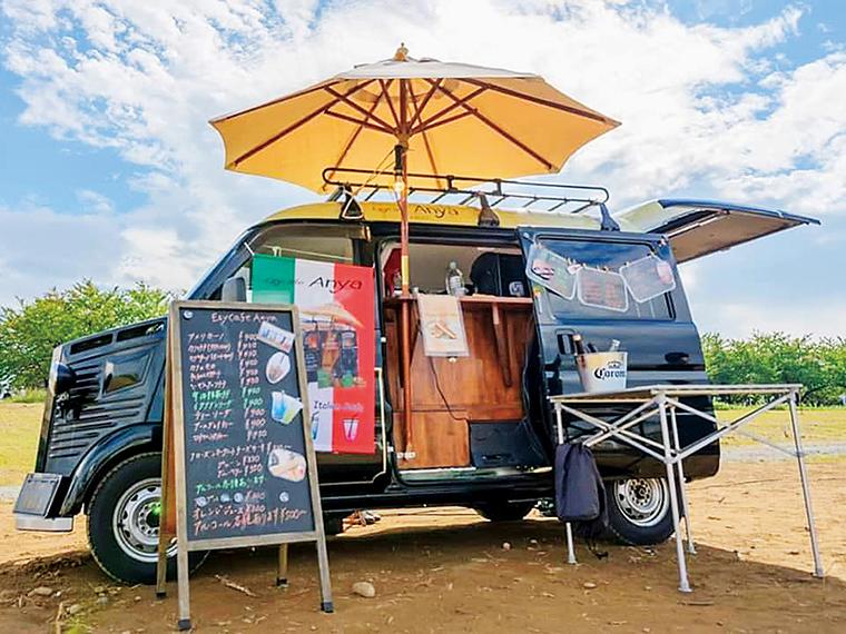 4回目となる今回はキッチンカー「EzyCafe Anya」で福島市内を巡る。コーヒー等のドリンクやパニーニを提供