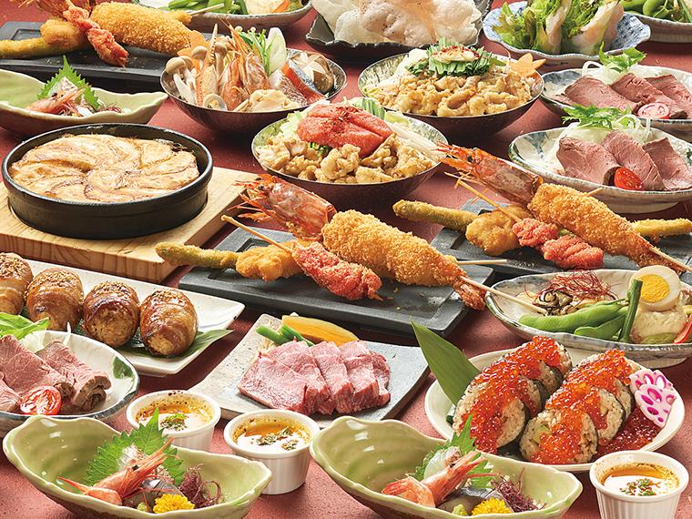 宴会コースはすべて個別盛りなので取り分けも不要。名物のジャンボエビフライの他、鍋や食事は複数から選べる