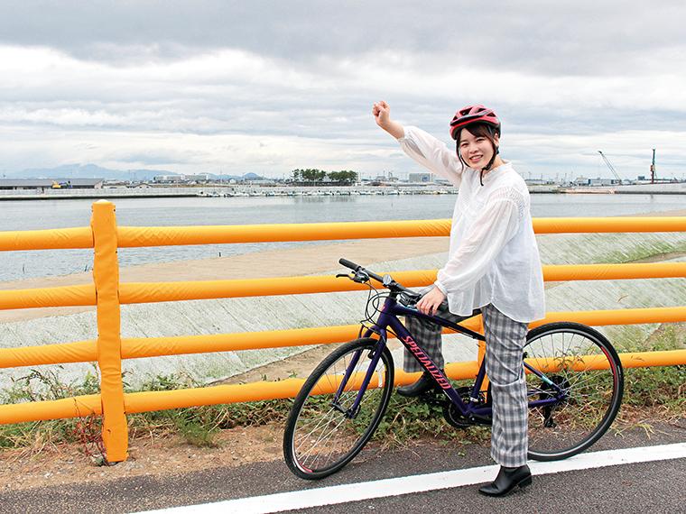 サイクリングロードは、1周4kmのロングコースの他、0.9kmのショートコースや、1.6kmのミドルコースがある。自転車は「ミニベロ」「クロスバイク」など全90台から選択が可能。雄大な景色を眺めながら風を感じてみよう