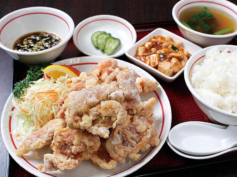 「若鶏の唐揚げ定食」(900円)※ランチタイム限定