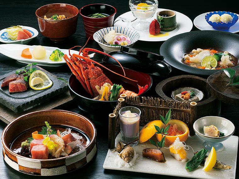 旬の食材や地物を用いた、新年を祝う華やぎのある会席料理。写真は一例(1名・38,000円~プラン)」