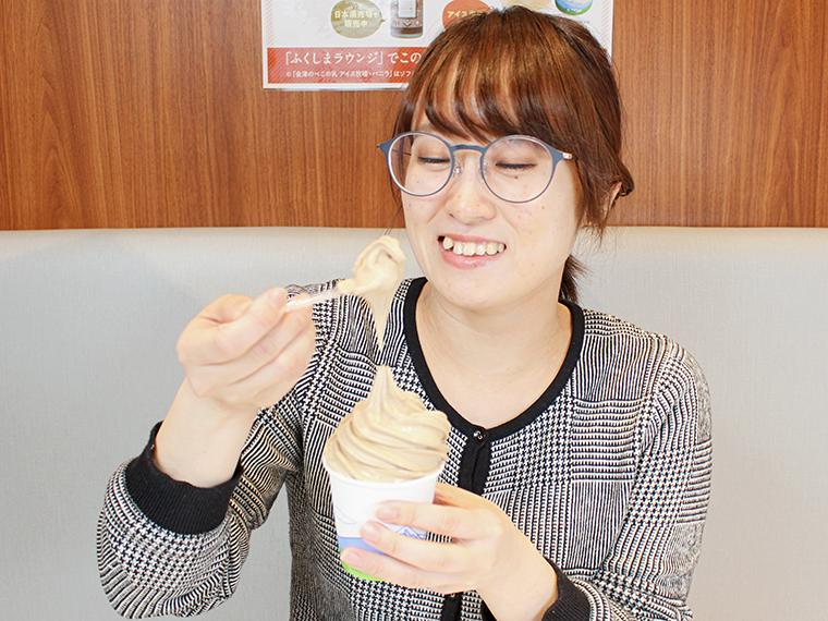 ほろ苦いコーヒー味のソフトクリームも人気