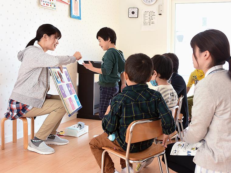 ゆっくりでも子どもたちの「できた」と笑顔が増えていくように、保護者のサポートも不可欠