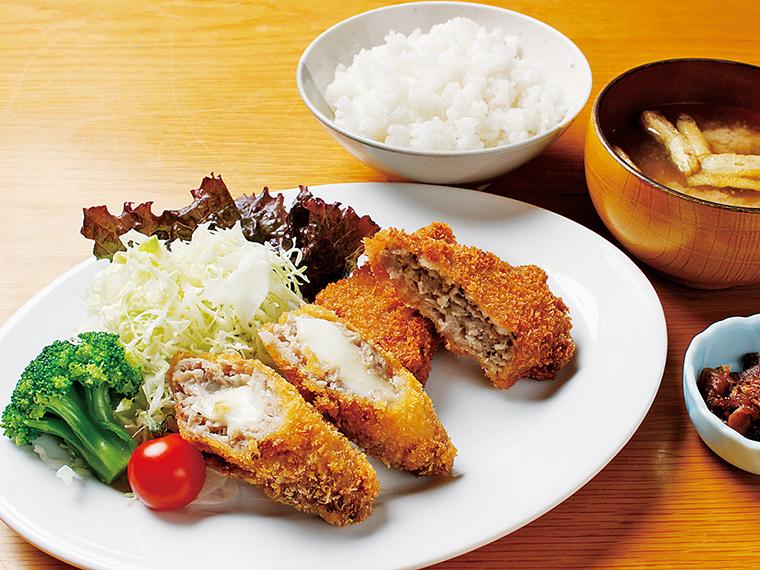 「酒塩ペッパー&チーズメンチカツ定食」(750円)