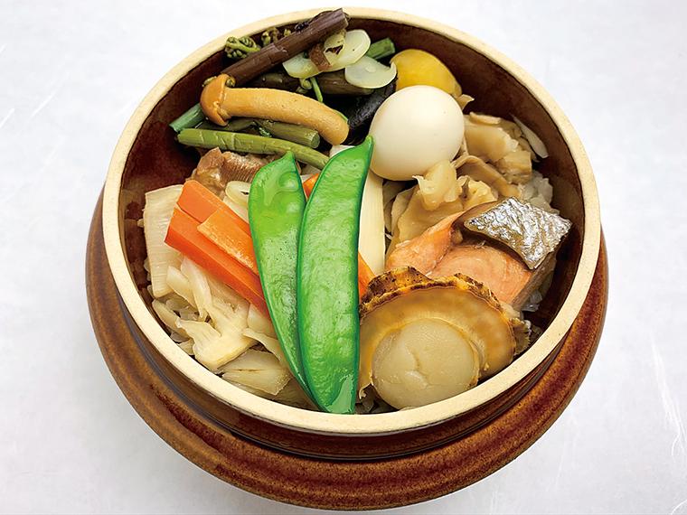 【和風料理 絹の里】釜めし、丼ものなど