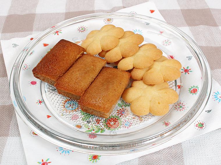 「フィナンシェ、クッキー 」(各180円)