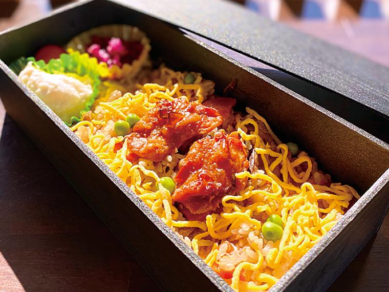 「名物 伊達鶏釡飯弁当」900円※前日までに要予約