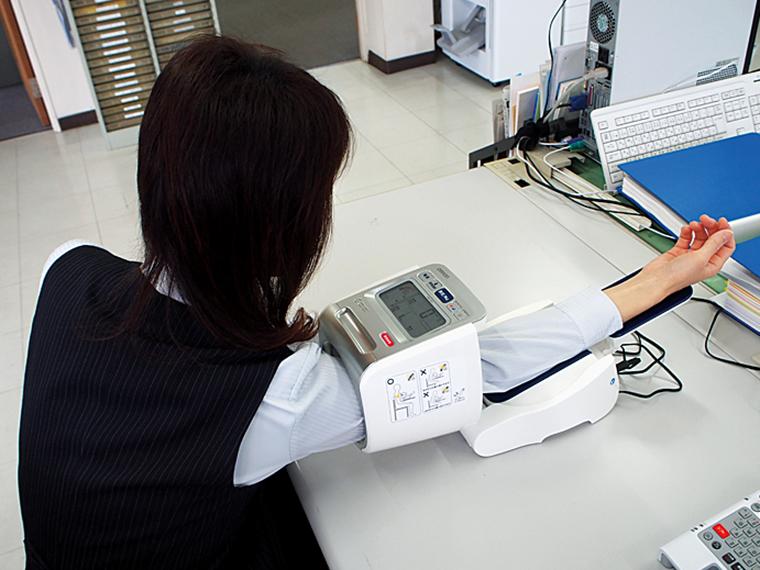 2020年4月から通院のための有休を就業規則に追加し、年間20日の他に3日取得できるように。仕事に慣れるまでは体調を崩しやすい新入社員も、入社後すぐに付与される5日の有休と合わせて8日間の取得が可能で、体調管理に役立てることができるようになった