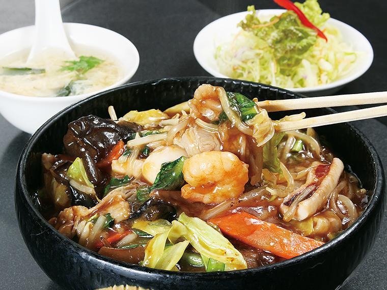 栄養満点の「中華飯」(850円)