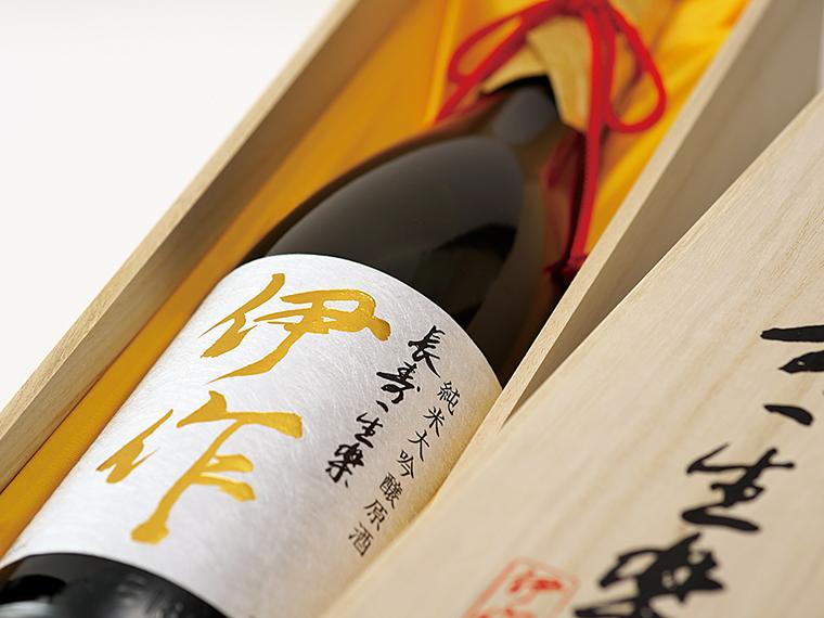 二本松市杉田産の酒米「五百万石」を100%使用。すっきりとしながらも米のうまみが味わえる
