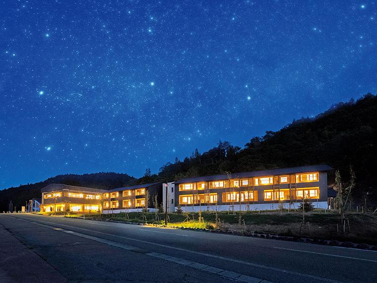 ホテルのある南会津町南郷地域は星空を邪魔する光が少ないので、標高の低い位置からでも美しい夜空を見ることができるそう